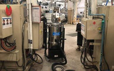狭窄的车间使用紧凑型工业吸尘器