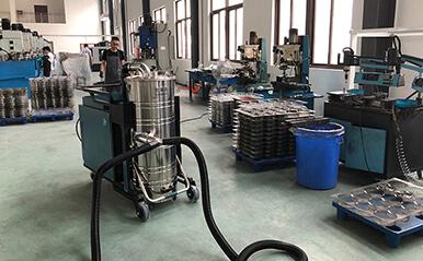 浙江模具厂一台大功率工业吸尘器一拖二